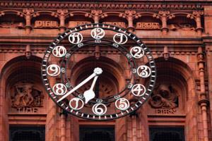 law court clock